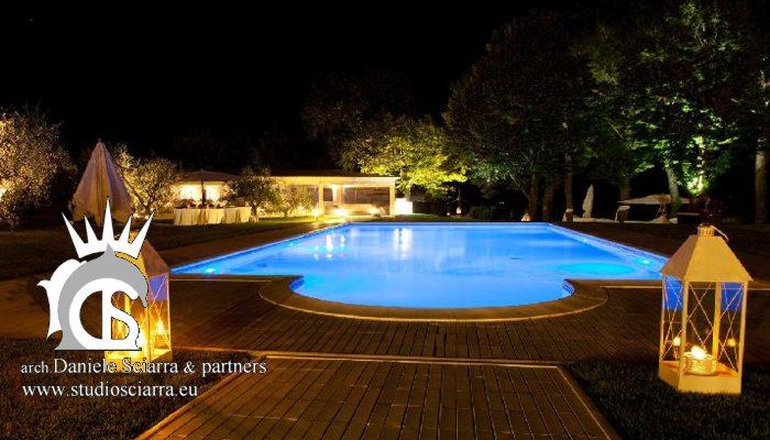 La piscina del Castello in notturna