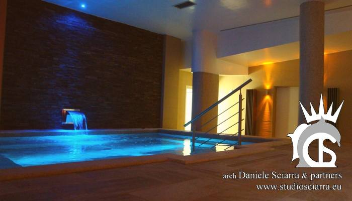 Thermarium con piscina idromassaggio e cascata