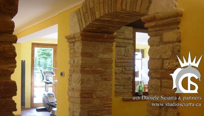 Murature ad arco in petre e mattoni nel centro benessere Spa
