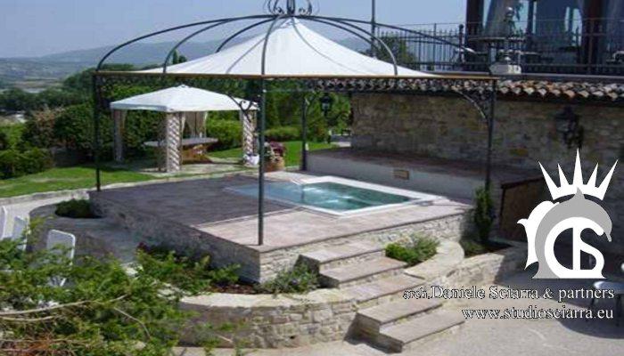 Realizzazione piscina idromassaggio esterna
