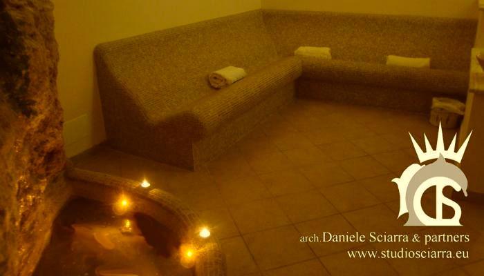 Aromarium con sedute ergonomiche in mosaico - Terme di Stigliano