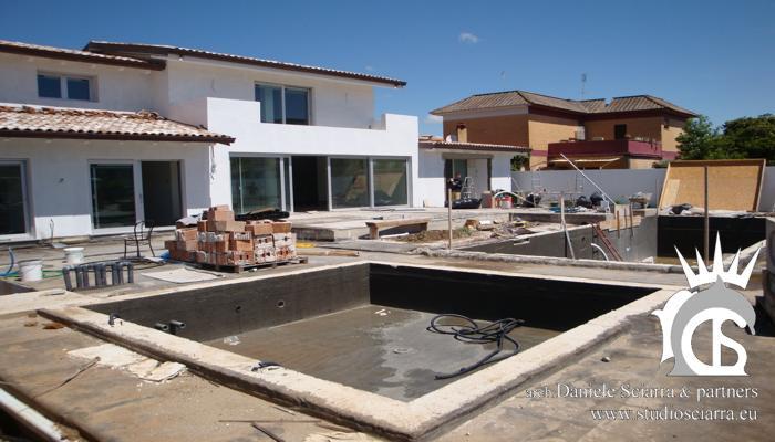 Realizzazione piscina idromassaggio con sedute idromassaggio